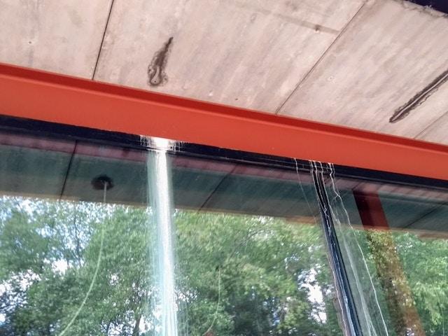 Cementsluier ramen glas op glas gebreken bouw schade fout gewelven waterschade ruwbouw MijnEPB