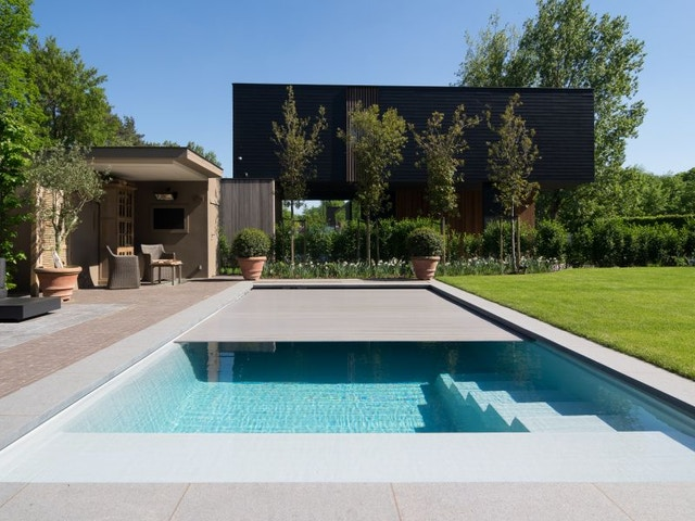 zwembad tuin terras