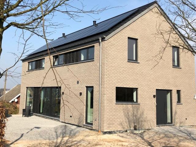 Nouvelle construction de panneaux solaires