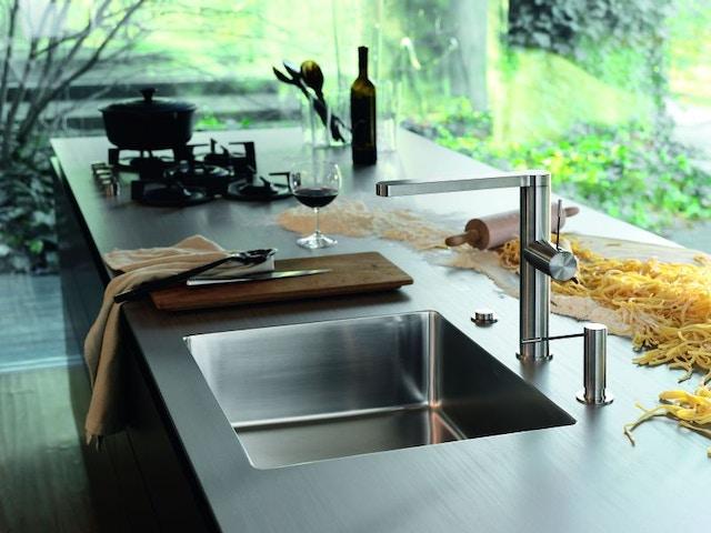 keuken werkblad spoelbak kookeiland gaspitten RVS roestvrij staal