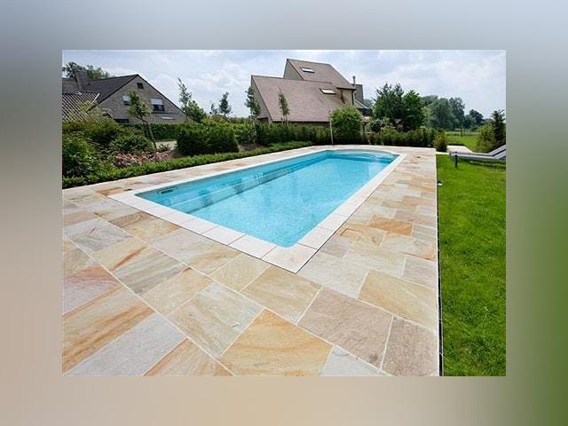 zwembad vloer tegels