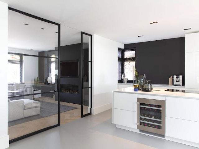 binnendeur invisible onzichtbaar schuifdeur keuken woonkamer wijnkoeler