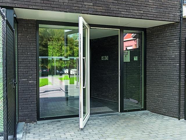 buitenschrijnwerk raam ramen voordeur vlakke deur (1)