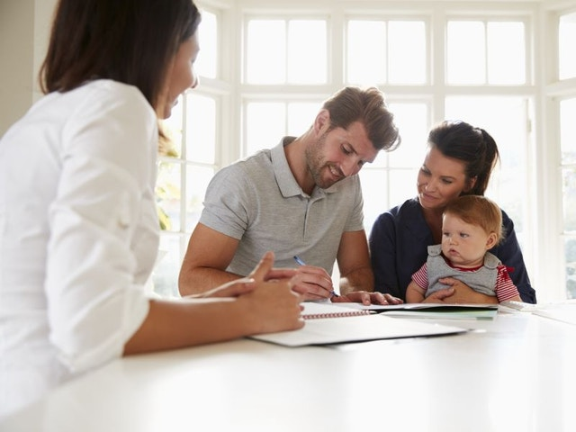 overeenkomst akkoord contract gezin architect aankoop document tekenen