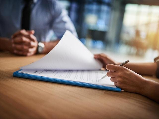 contract document tekenen lening kopen