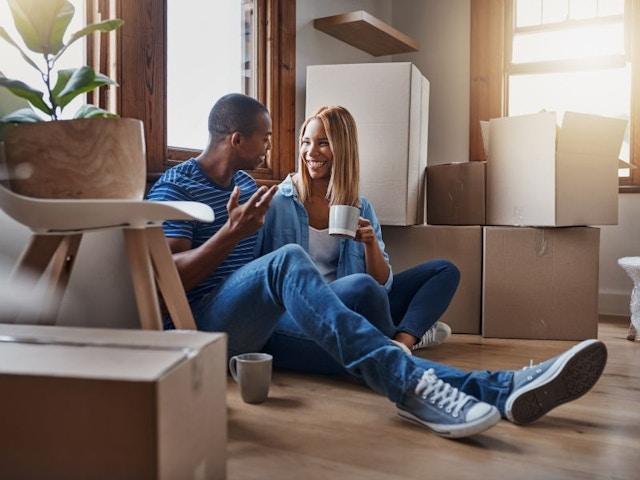 kopen wonen verhuizen koppel