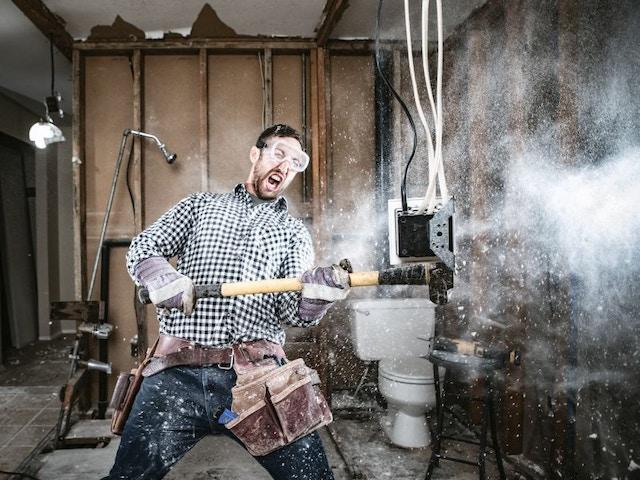 Verbouwen renoveren slopen hamer