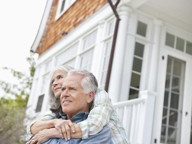Ouder koppel woning veiligheid