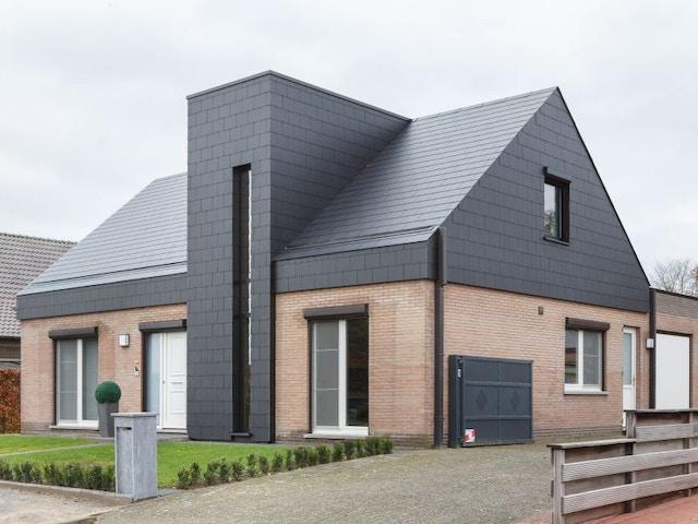 dak woning huis leien gevel BestOfRenovation-3670-Leien-Alterna-Zwart-Wijshagen-Eternit (1)