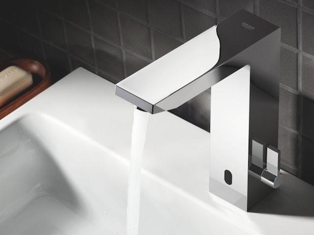 badkamer wastafel lavabo badkamerkraan kraan Eurocube infrarood elektronische wastafelmengkraan chroom