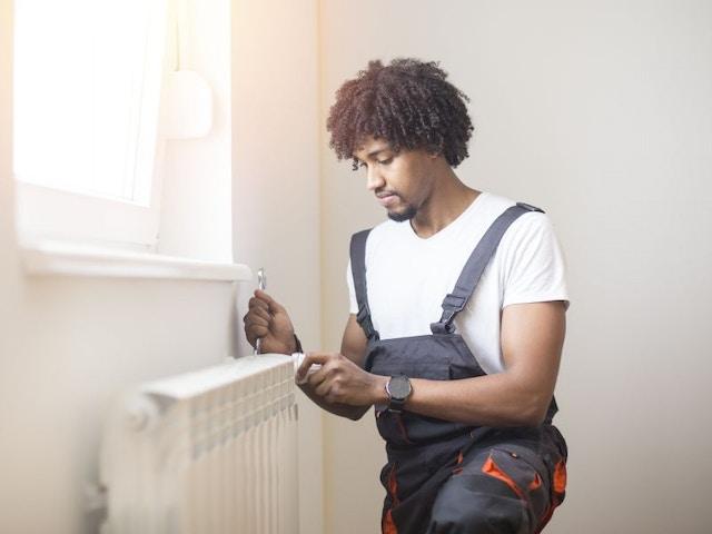 Maintenance installateur radiateur de chauffage 800x600