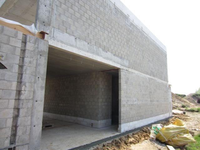 Betonblokken huis nieuwbouw werf muren snelbouwsteen