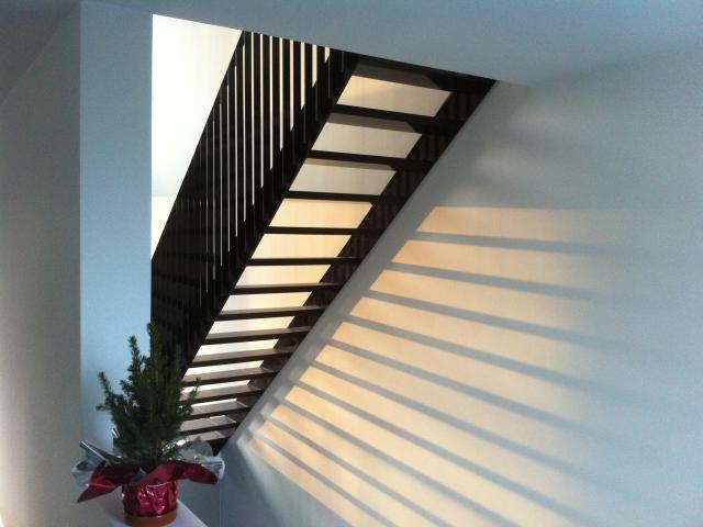 houtskeletbouw nieuwbouw huis trap zonlicht daglicht IMG_7749